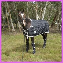420D 180g Doona Horse Rug Black / White
